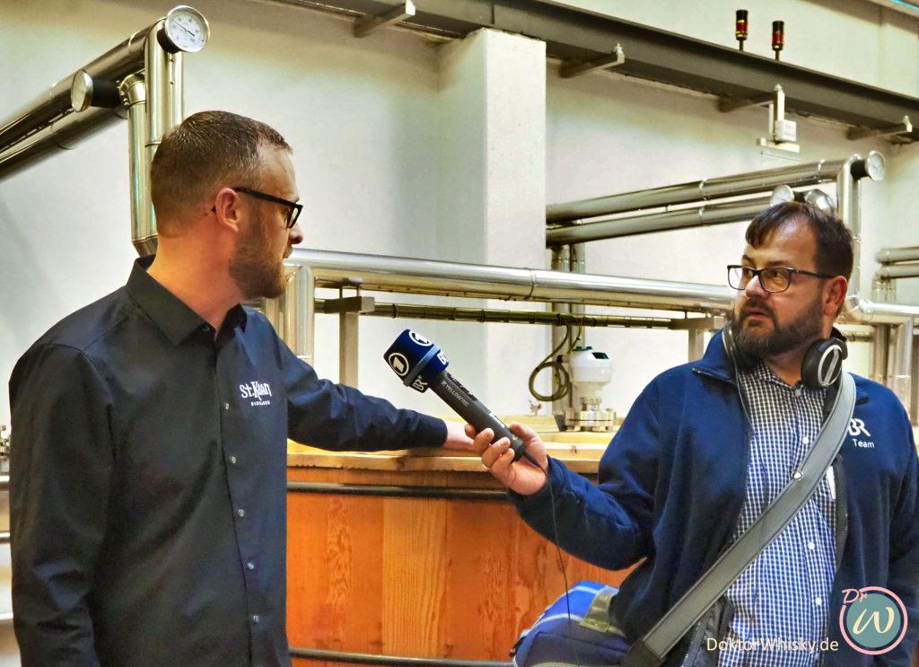 Der Bayerische Rundfunk (BR) interviewt den Master Distiller Mario Rudolf der St. Kilian Distillerie - St. Kilian Distillers